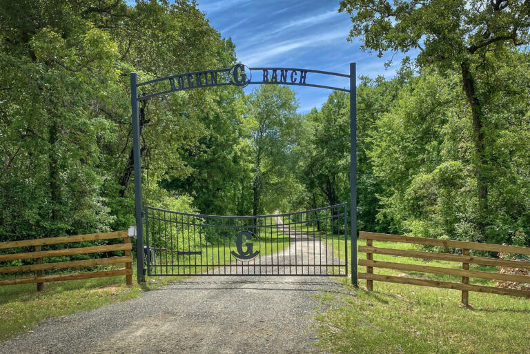 4230-Gated Entry
