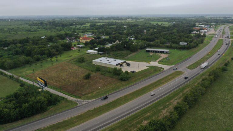 Texas property off freeway - HRE