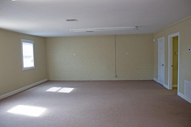 Interior of 903 East Alamo Street Yellow Brick Walls