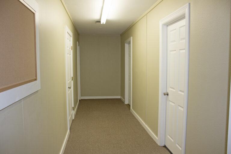 903 East Alamo Street Yellow Hallway